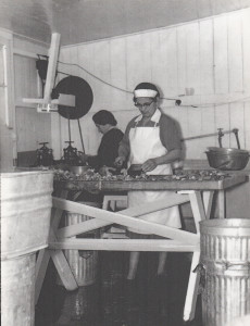 Vintage_Lobster_Canning